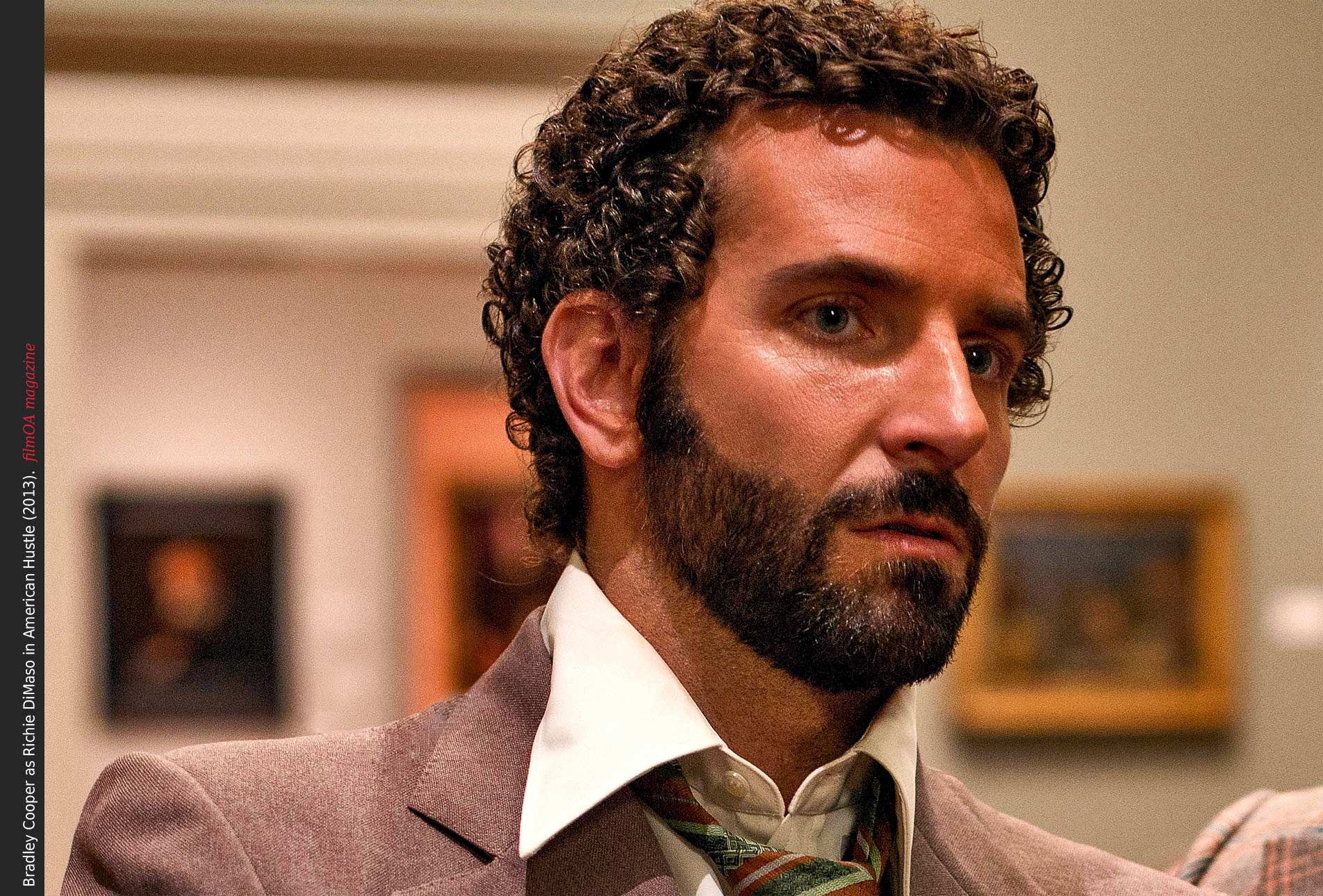 Bradley Cooper as FBI agent Richie DiMaso in American ...