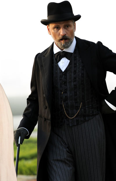 Viggo Mortensen A Dangerous Method in Suit