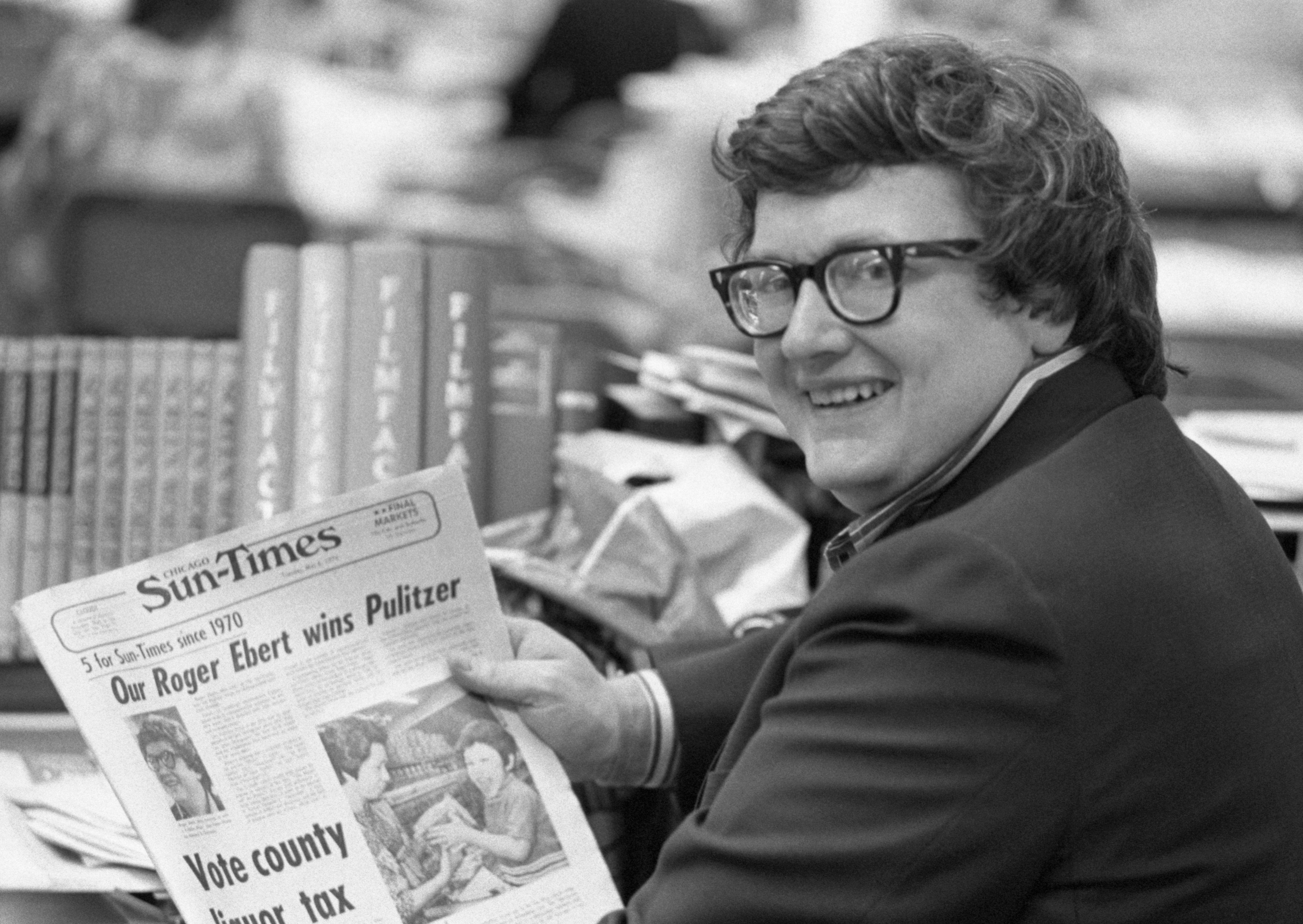 Roger Ebert wins Pulitzer Prize