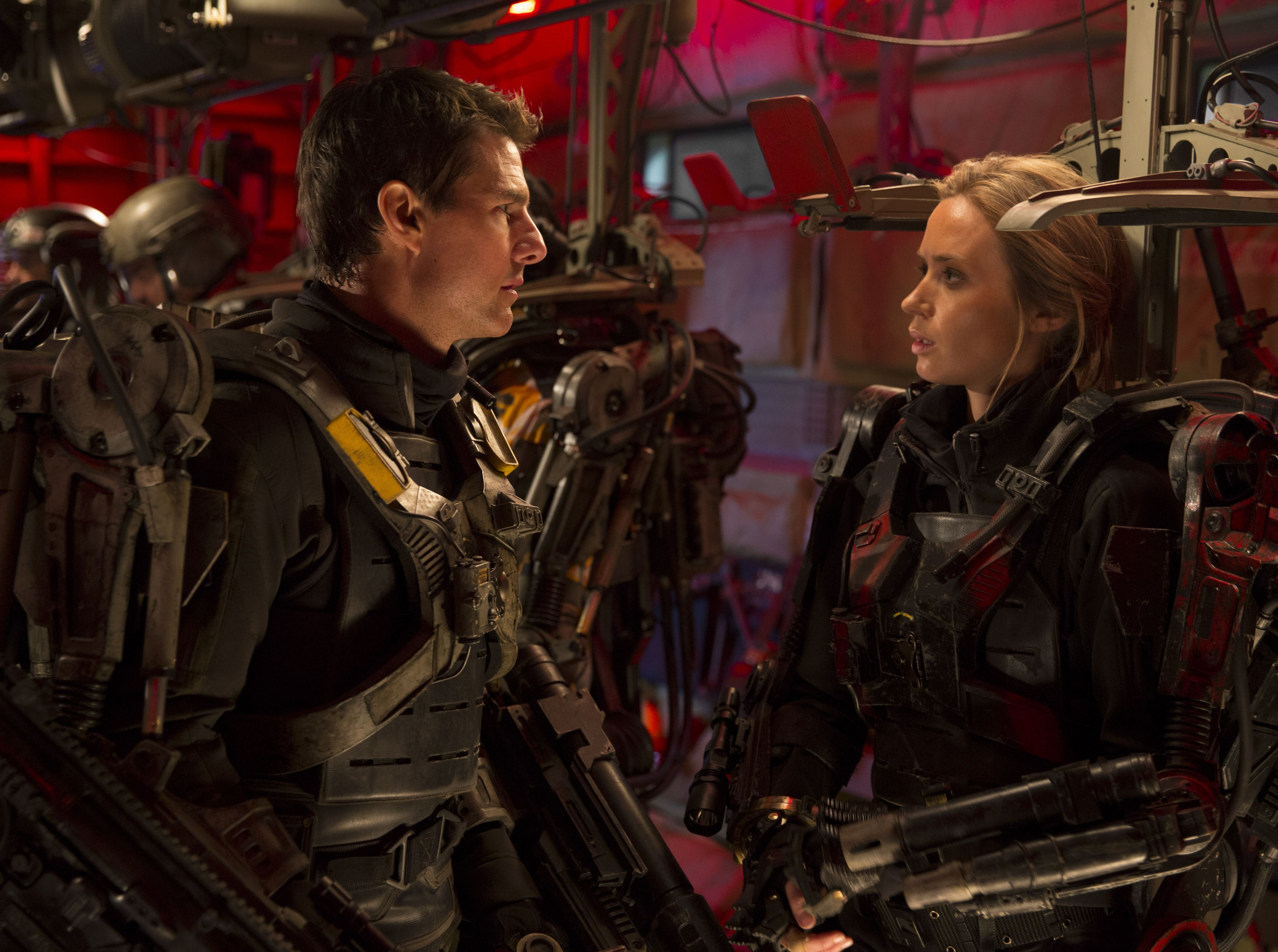 Tom Cruise and Emily Blunt suit-up, Edge of Tomorrow