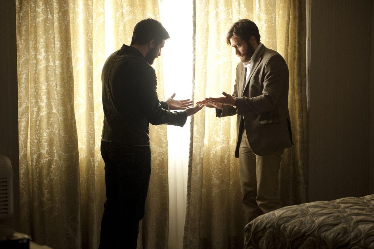 Jake Gyllenhaal seeing double in the Enemy