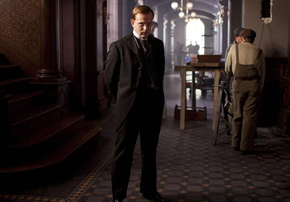 Jeremy Bobb as head of the hospital in The Knick