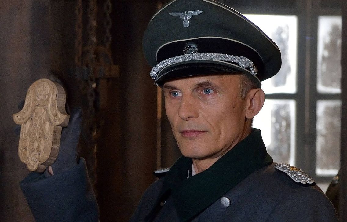 The german nazi WWII officer / strigoi in The Strain