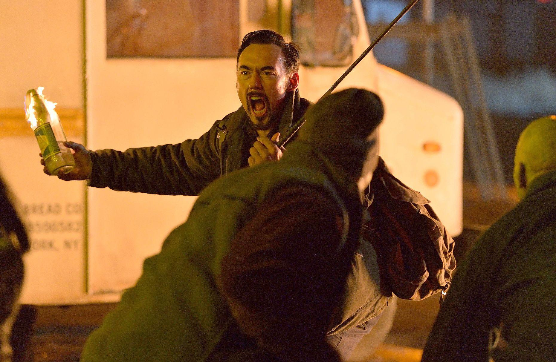 Vasiliy throws molotov cocktail at strigoi