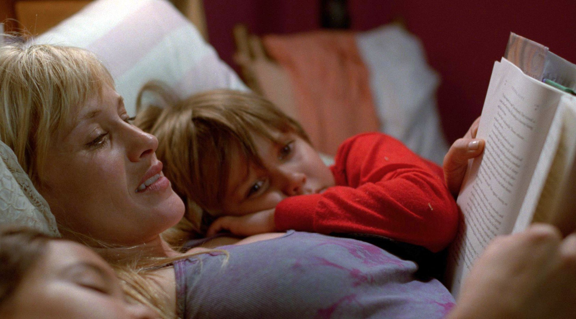 Patricia Arquette reads to her boy in Boyhood