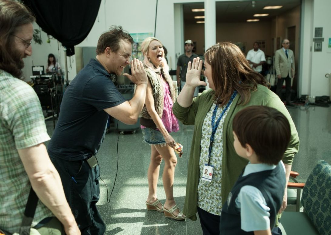 Theodore Melfi, Naomi Watts and Melissa McCarthy on the set