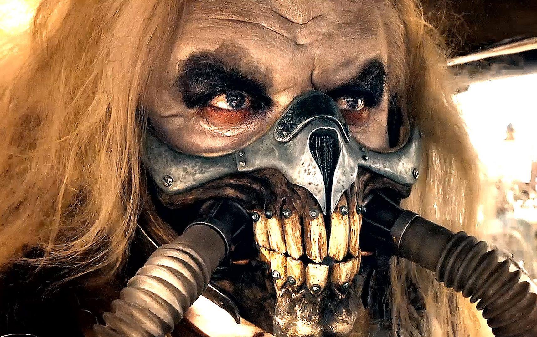Nasty teeth mask Mad Max: Fury Road