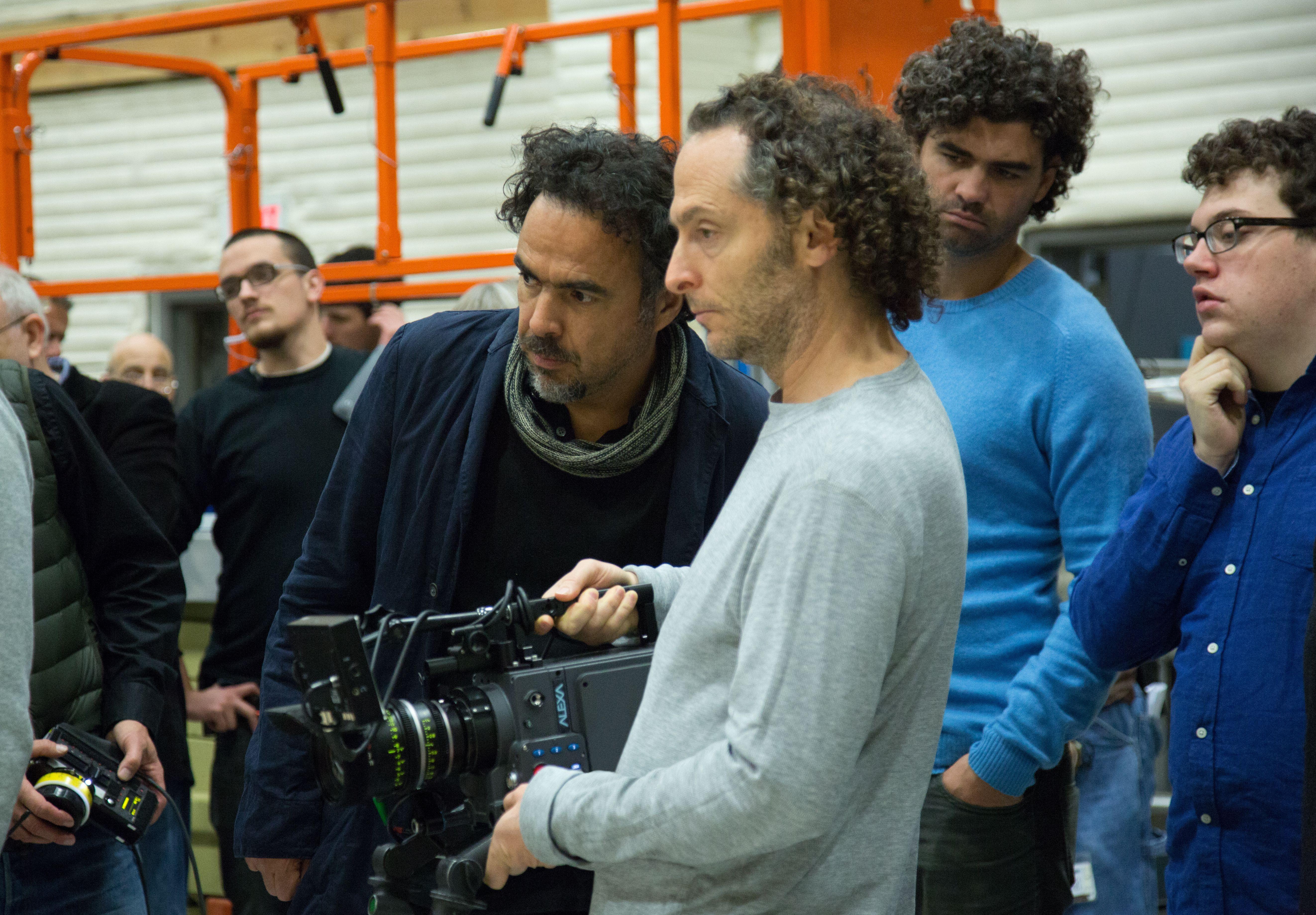 Alejandro González Iñárritu filming Birdman scene