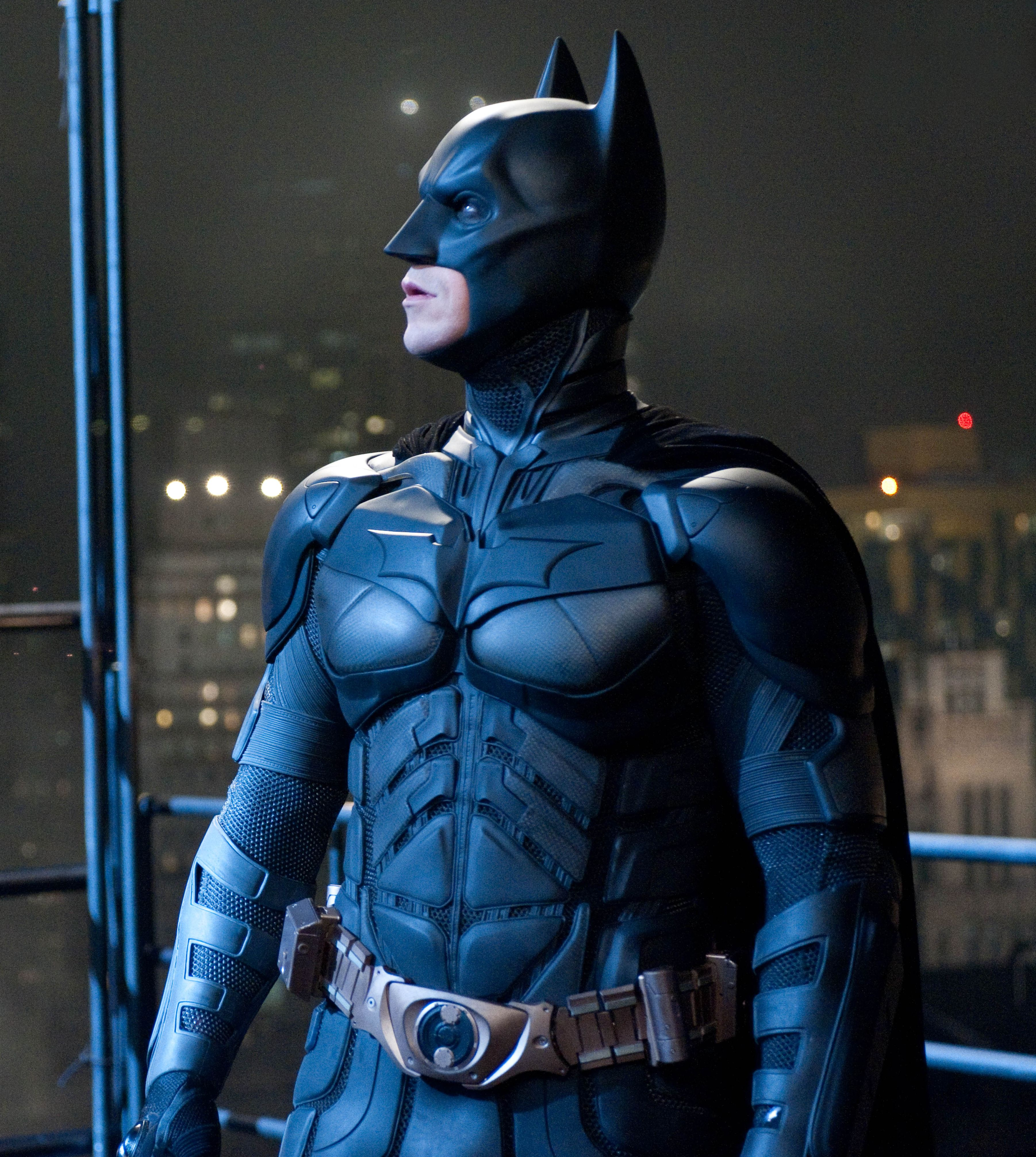 Batman looks into the sky - The Dark Knight Rises