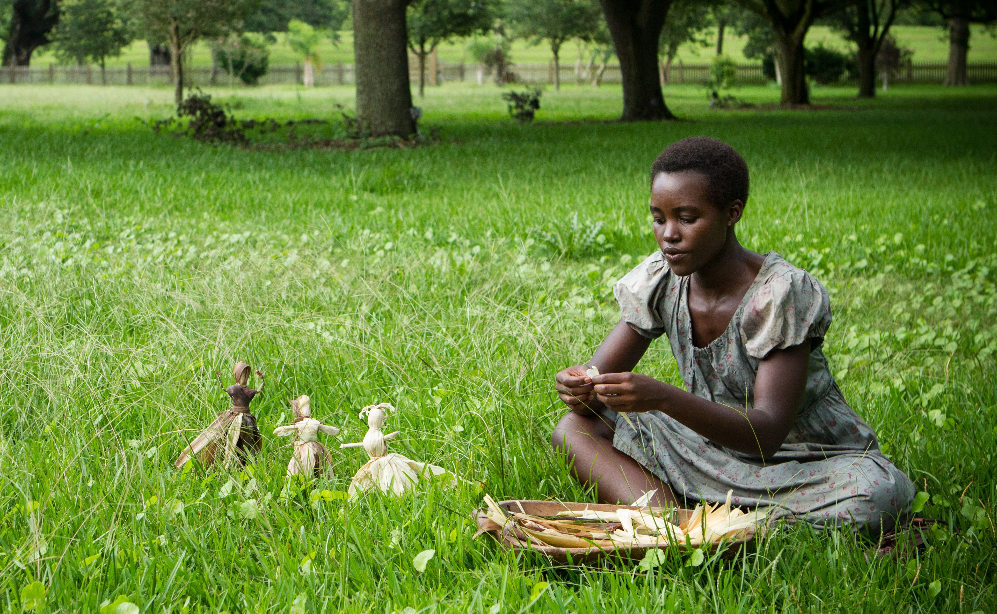 Patsey in the grass - 12 Years A Slave