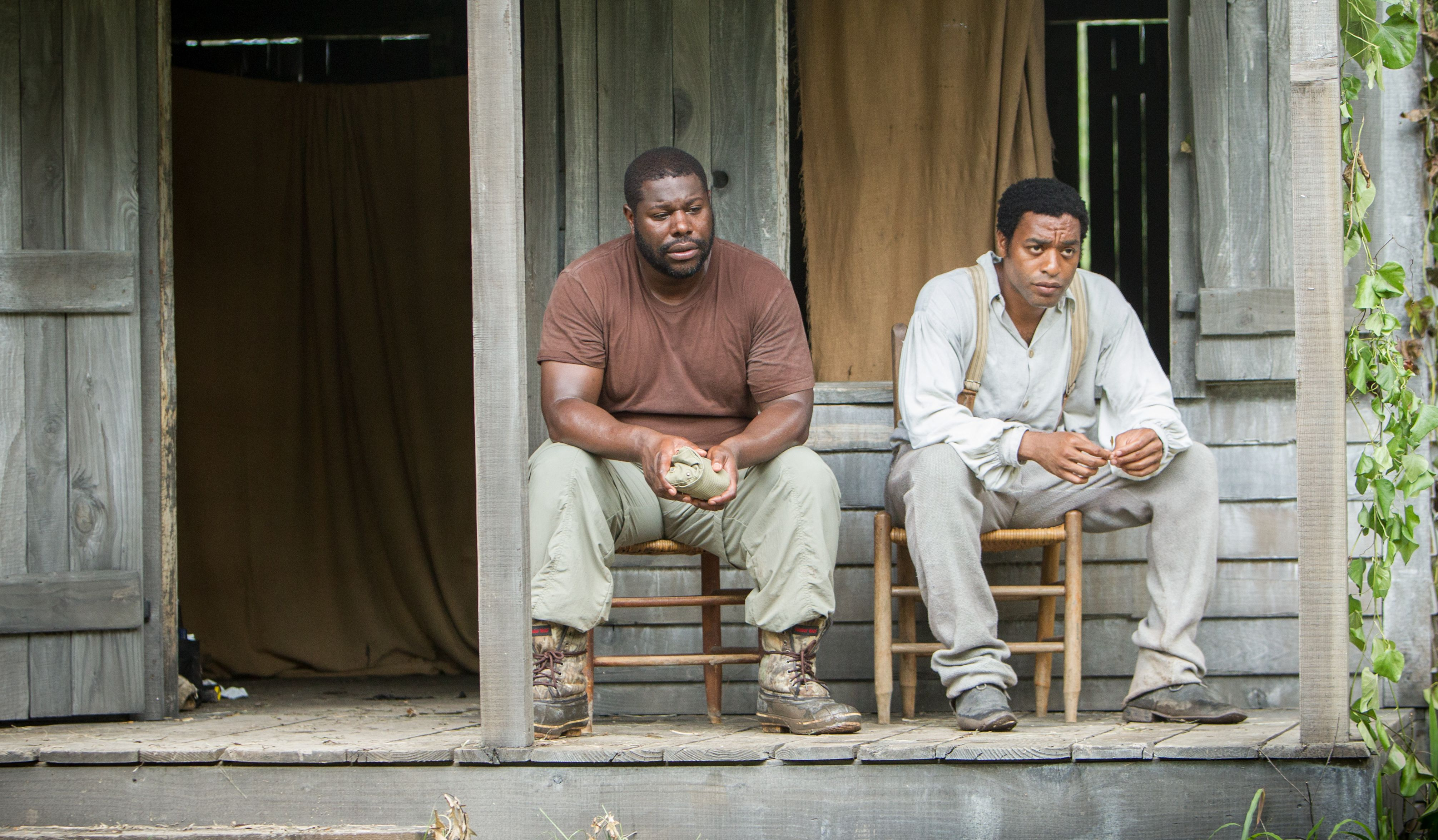 Director Steve McQueen and Chiwetel Ejiofor on the set of 12