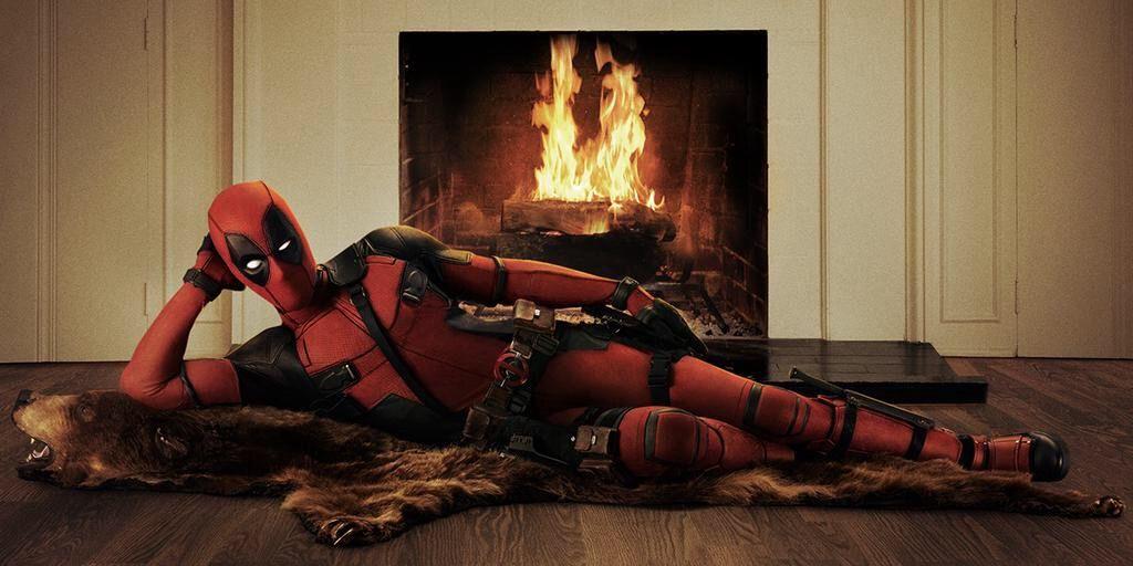 Ryan Reynolds Shows Off His 'Deadpool' Suit