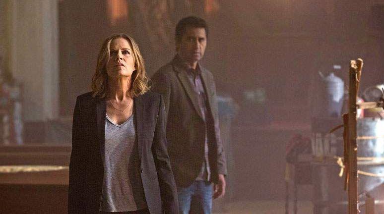 Kim Dickens stars in Fear the Walking Dead