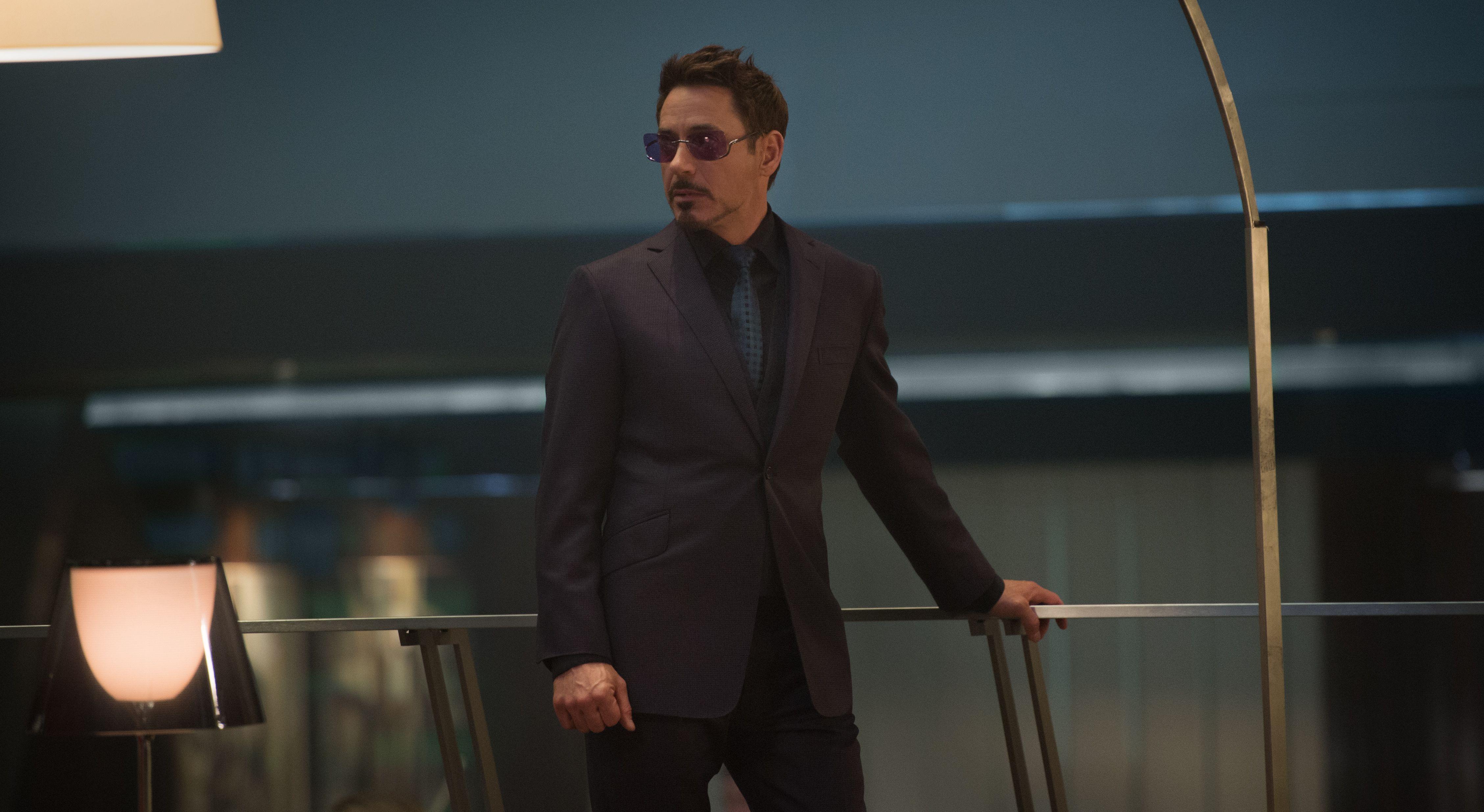 Robert Downey Jr Suit and Tie