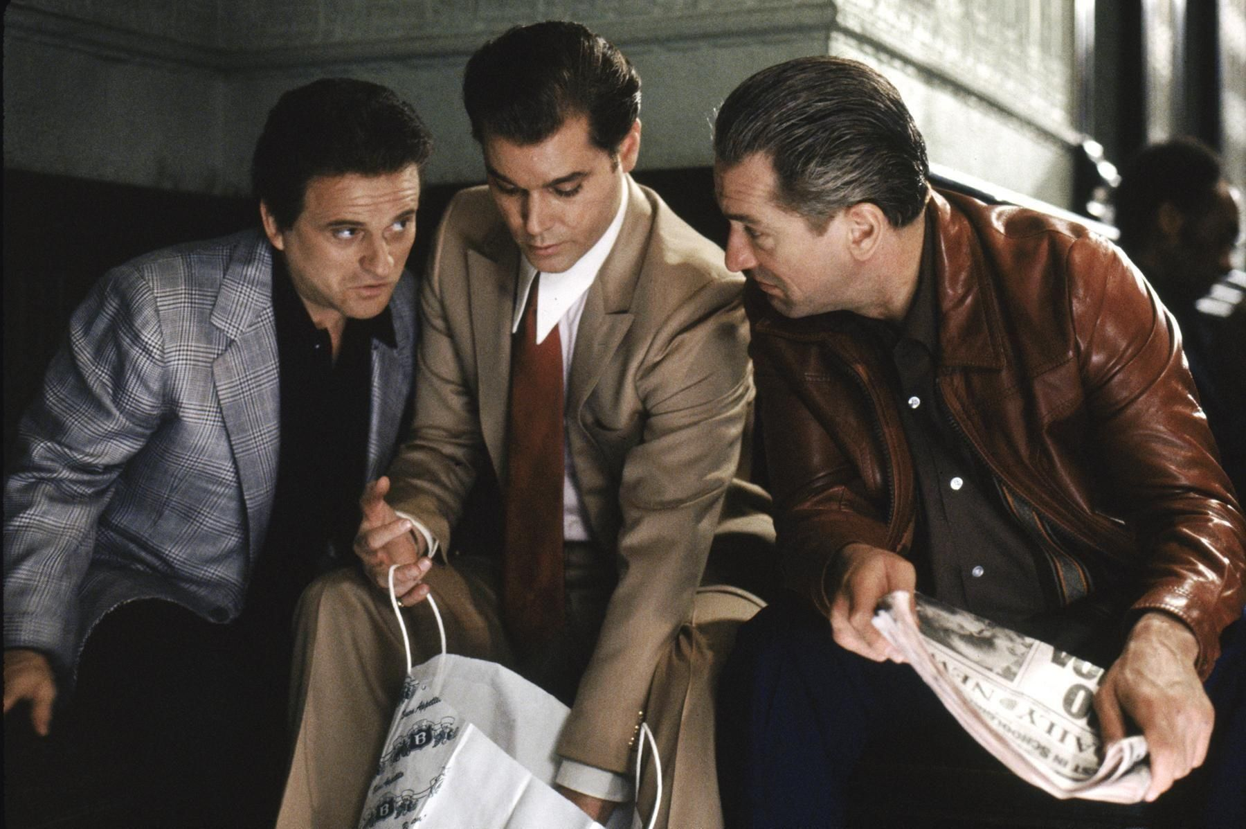 Joes Pesci, Ray Liotta and Robert De Niro in GoodFellas
