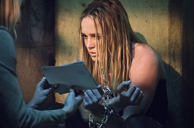 Laurel trying to get Sara to remember her past