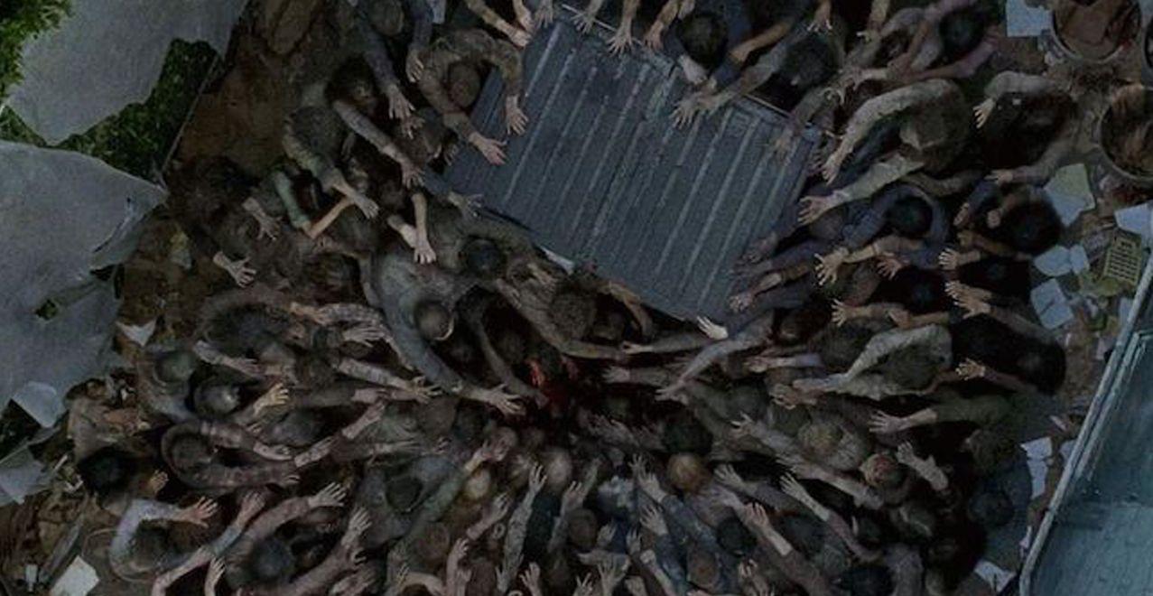 Walkers converge in Season 6