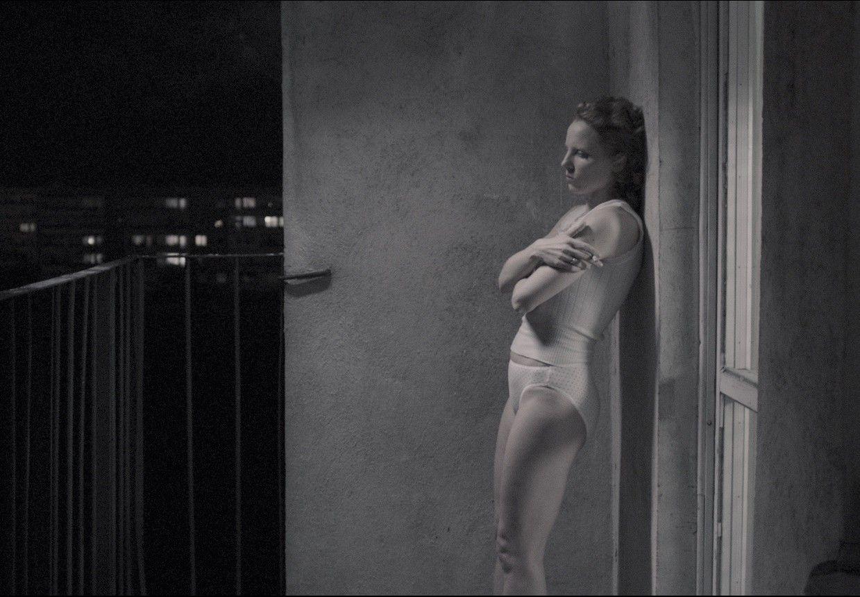 Julia kijowska in united states of love - 1 part 7
