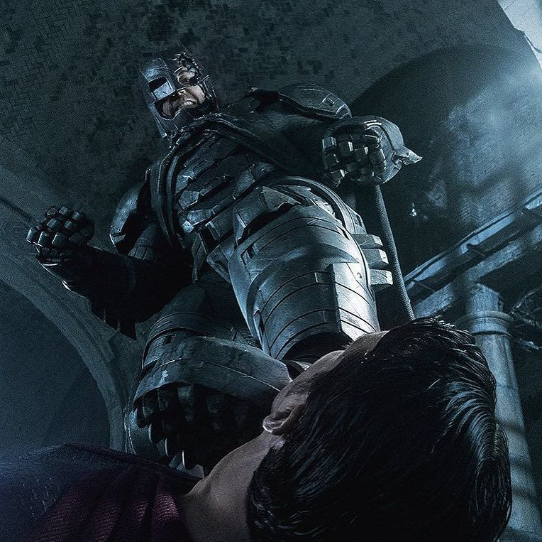 Batman puts his foot to Superman's throat in new image