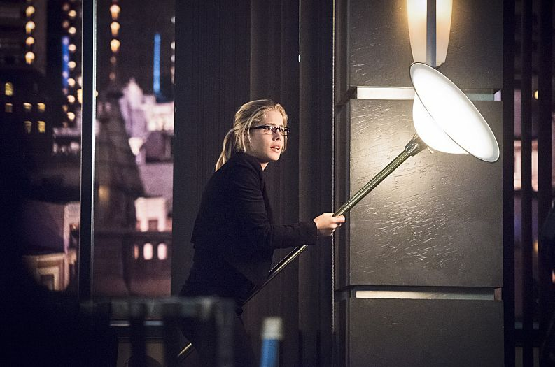 Bee-con of Hope, and Other Terrible Puns: Arrow Season 4, Episode 17