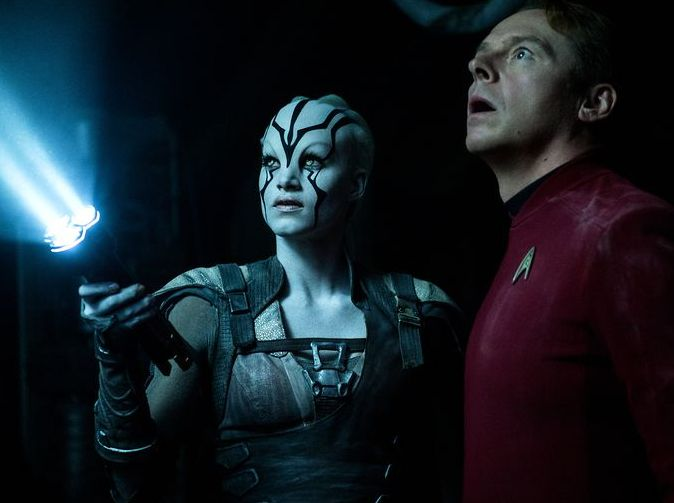 Jaylah (Sofia Boutella) and Scotty (Simon Pegg) in Star Trek