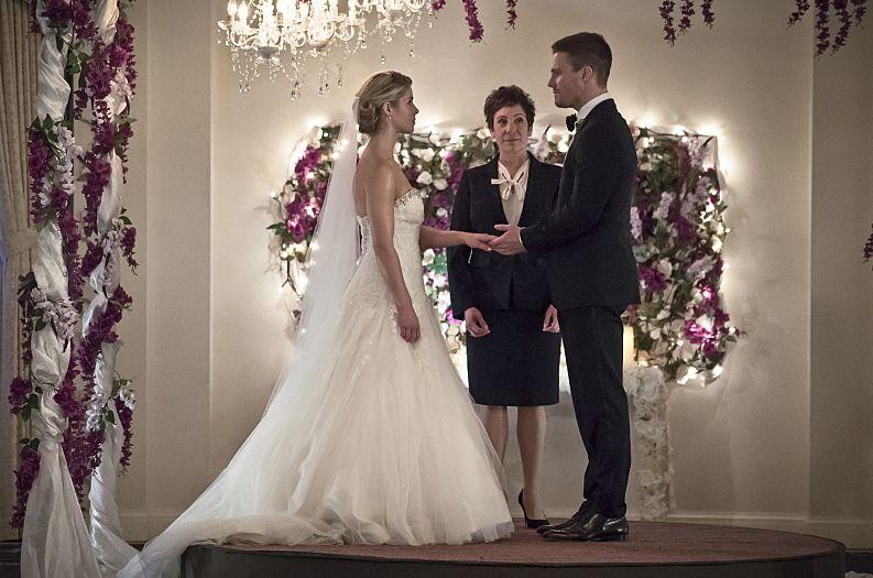 Felicity Smoak & Oliver Queen's fake wedding
