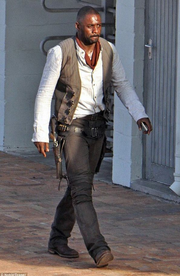 First look: Idris Elba as the Gunslinger