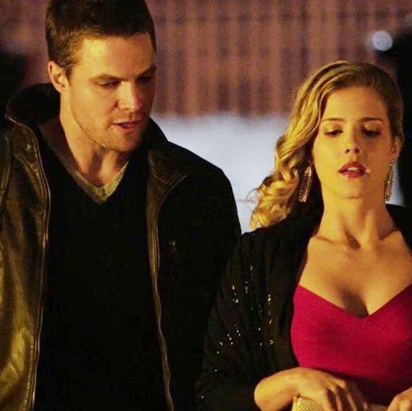 Oliver Queen and Felicity Smoak in 1x21 casino field op