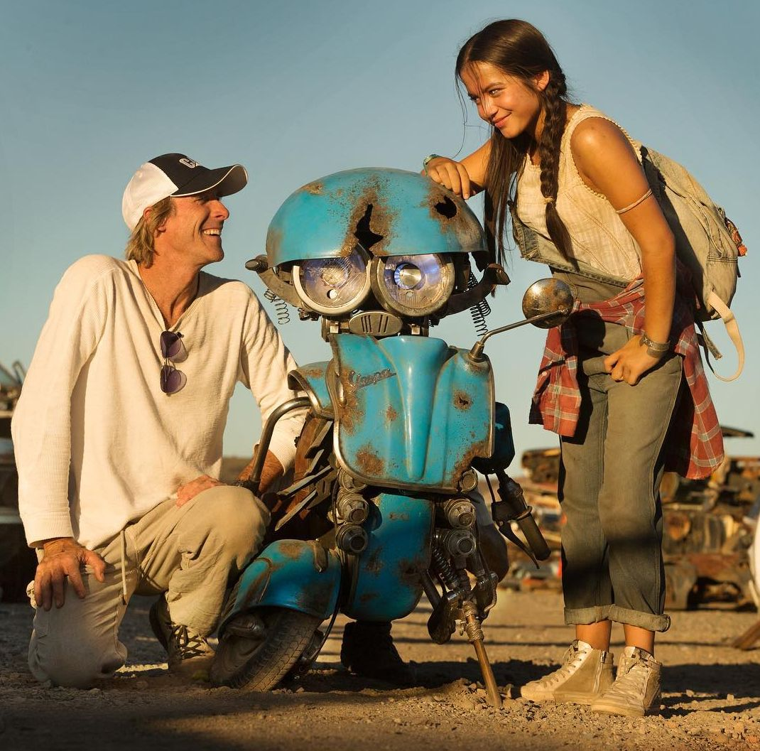 Michael Bay and Isabela Moner with a new Transformers: The L