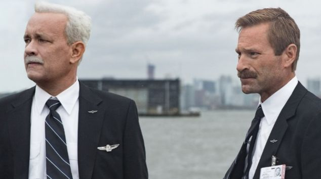 """Tom Hanks and Aaron Eckhart  in """"Sully"""""""