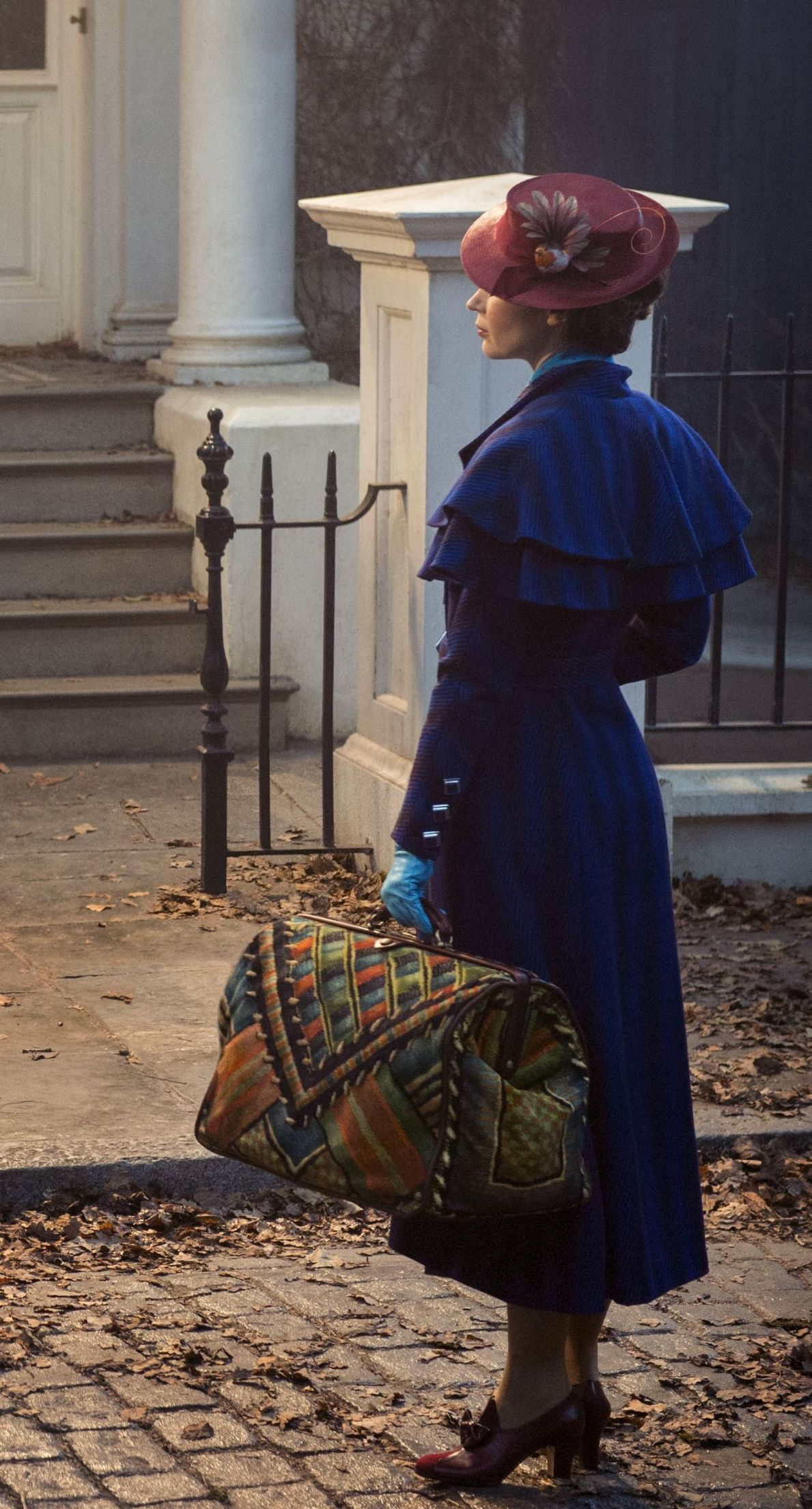 First look at Emily Blunt in 'Mary Poppins Returns'