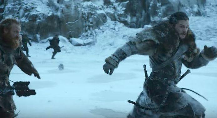 Snow & Tormund run from the dead