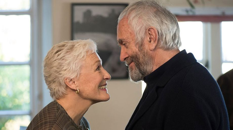 Glenn Close and Jonathan Pryce