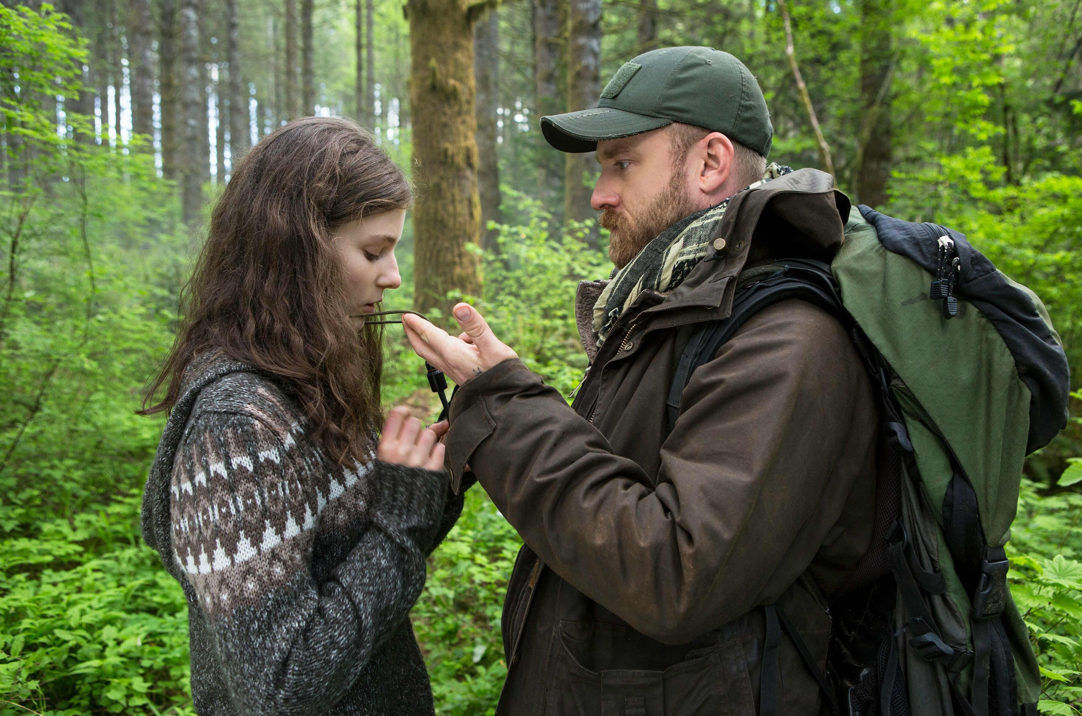 Ben Foster and Thomasin McKenzie in Leave No Trace