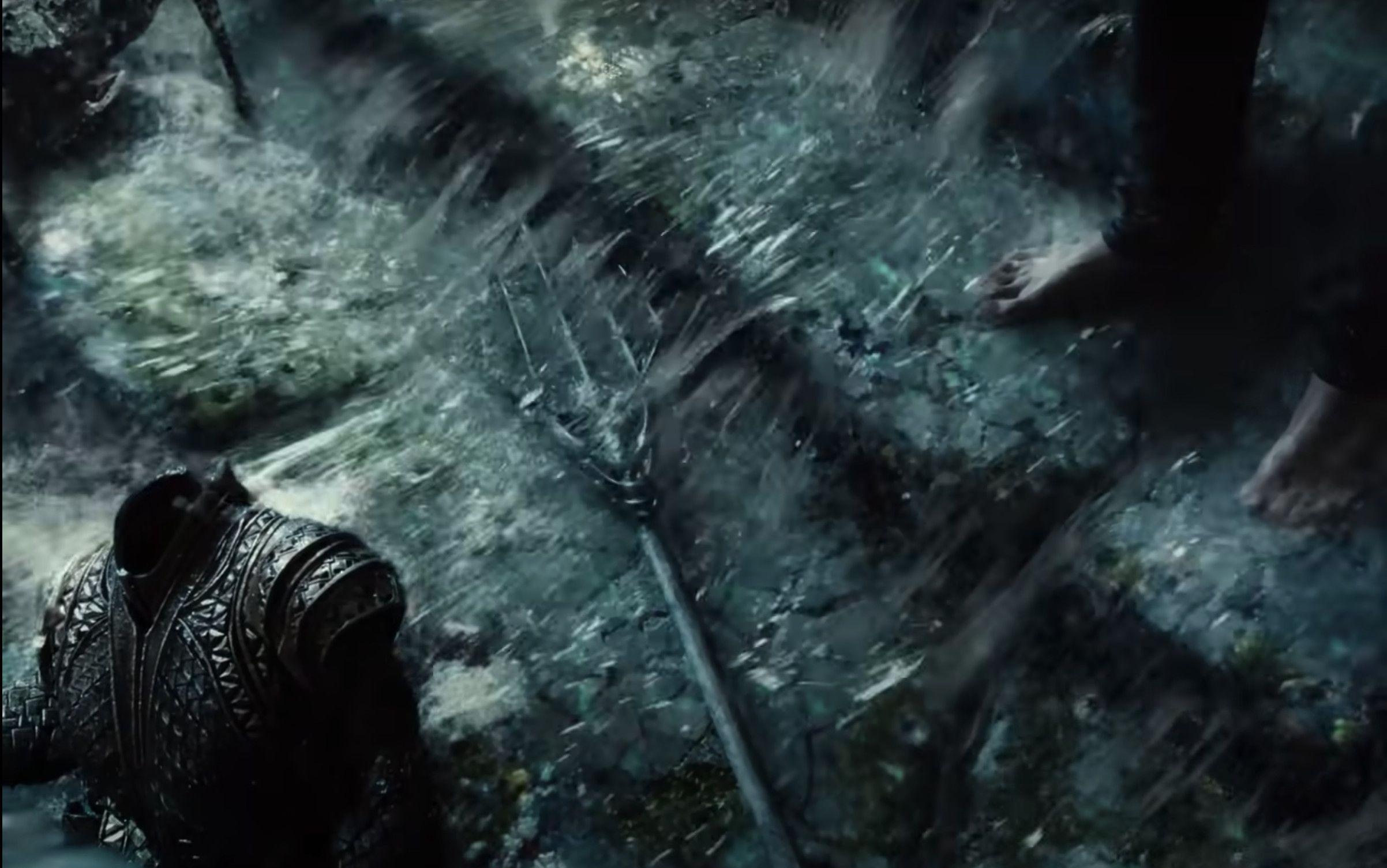 Arthur's armour & weapon