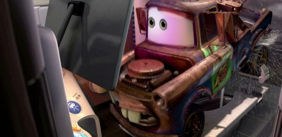 Mater goes to Japanese toilet, Cars 2