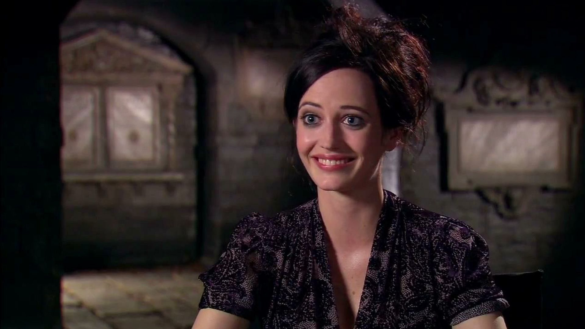 Eva Green says Johnny Depp is a German expressionist in Dark Shadows