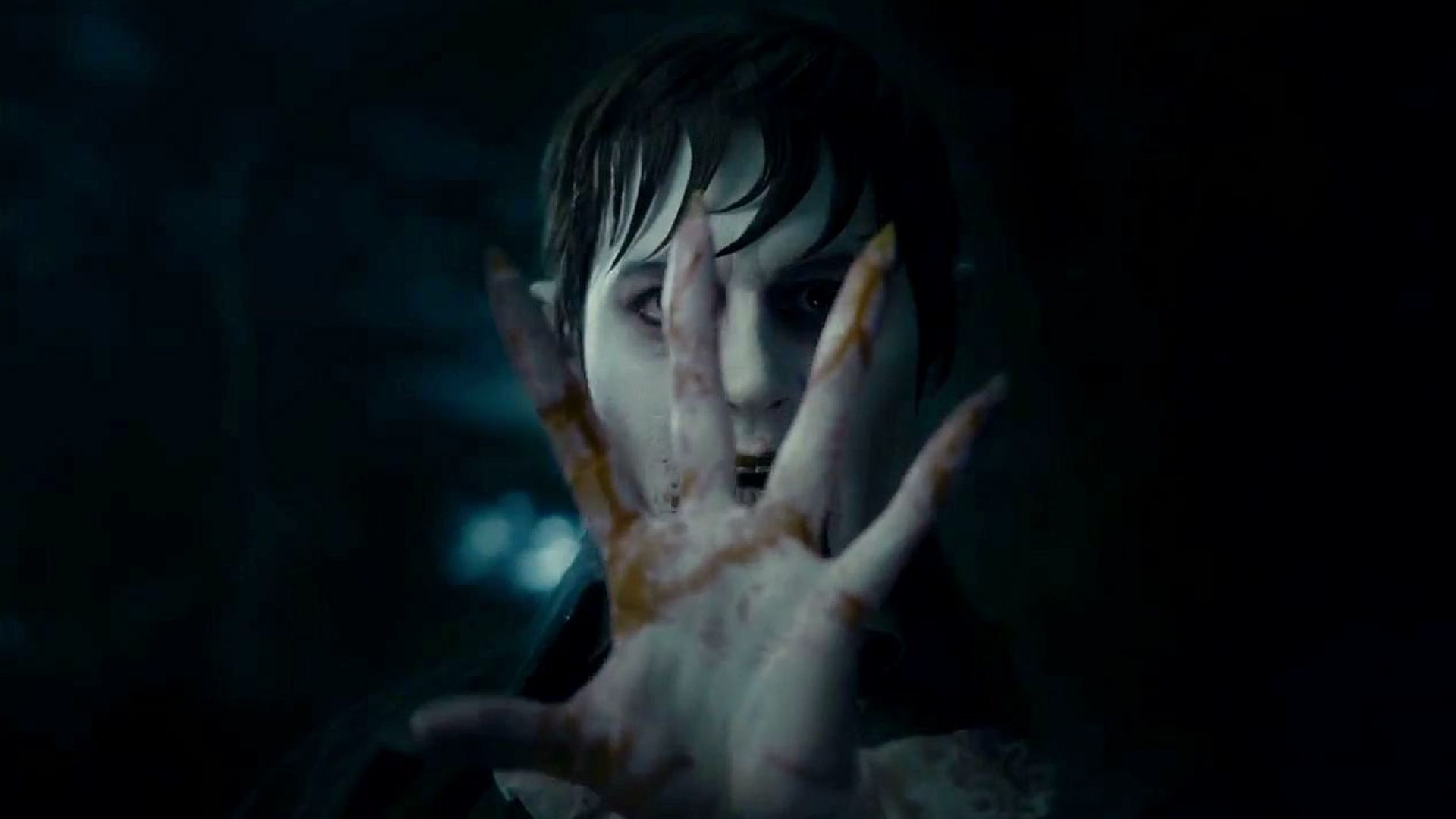 Johnny Depp hypnotizes Jackie Earle Haley in Dark Shadows