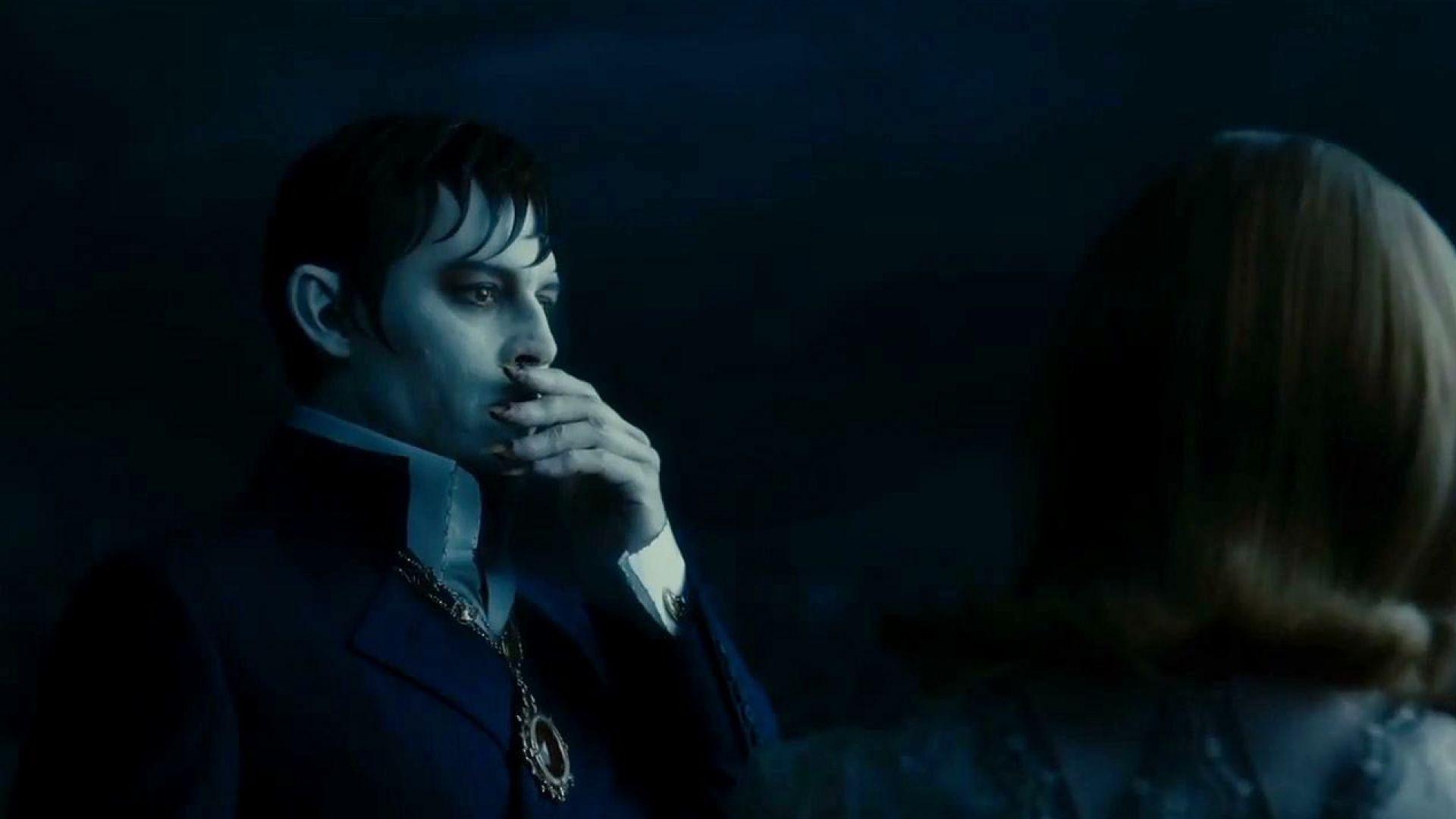 Johnny Depp and Bella Heathcote almost kiss in Dark Shadows