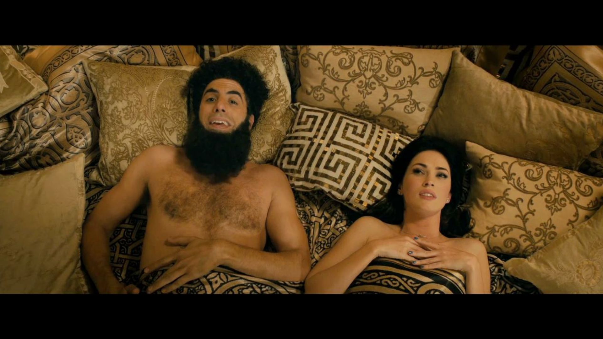 Megan Fox and general Aladeen in The Dictator