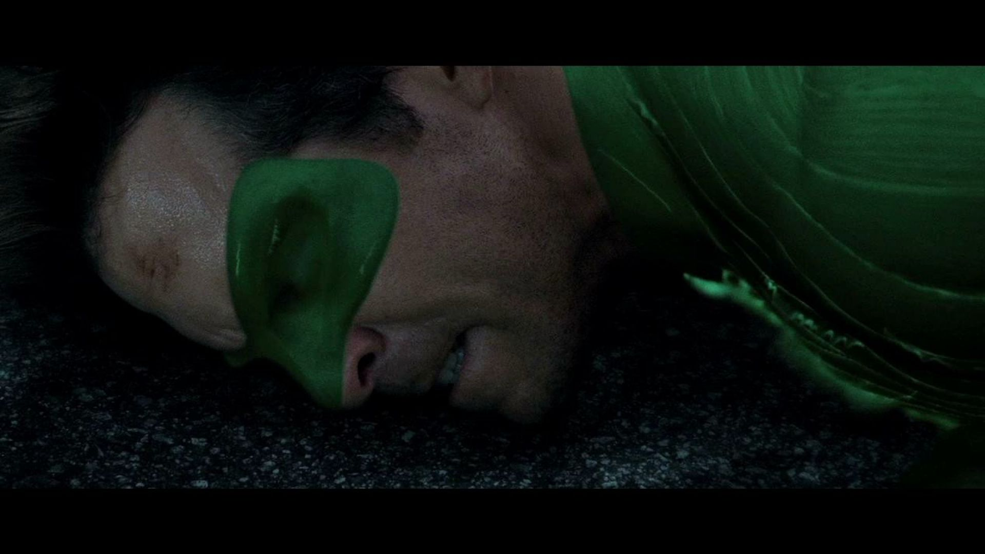 Green Lantern fights Parallax and tries to protect the city
