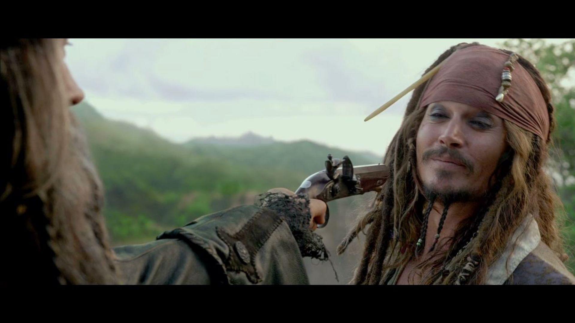 Blackbeard has six guns but two shots, Pirates 4