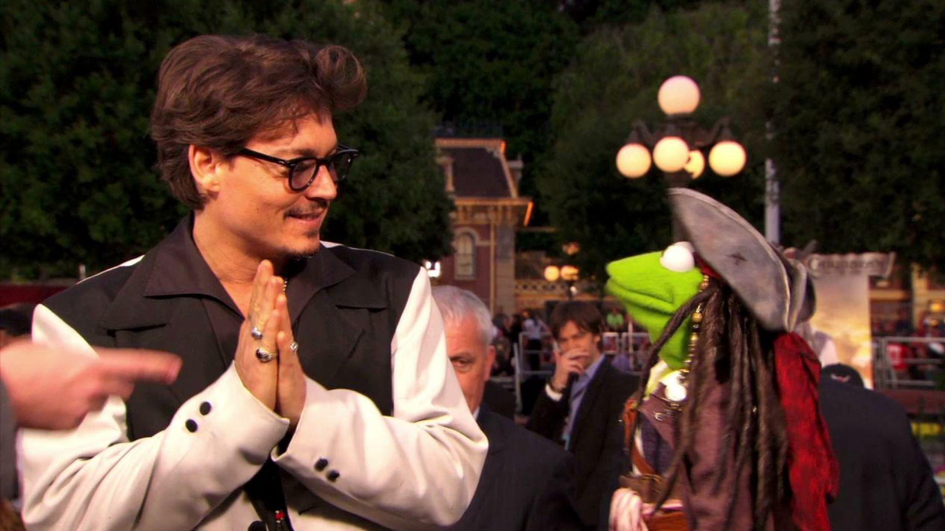 Kermit interviews Pirates of the Caribbean 4 cast at Disneyland Premiere