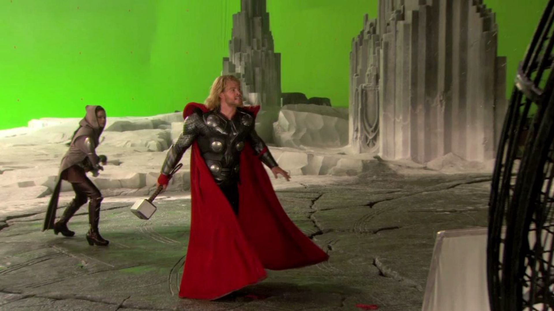 Kenneth Branagh, Natalie Portman and Anthony Hopkins talk about working with Chris Hemsworth on Thor