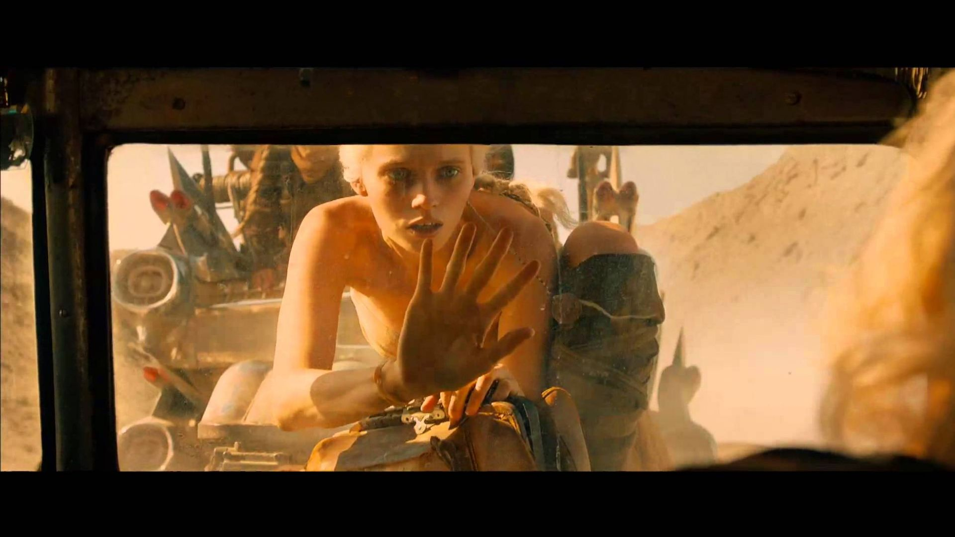 Official International Trailer for 'Mad Max: Fury Road'