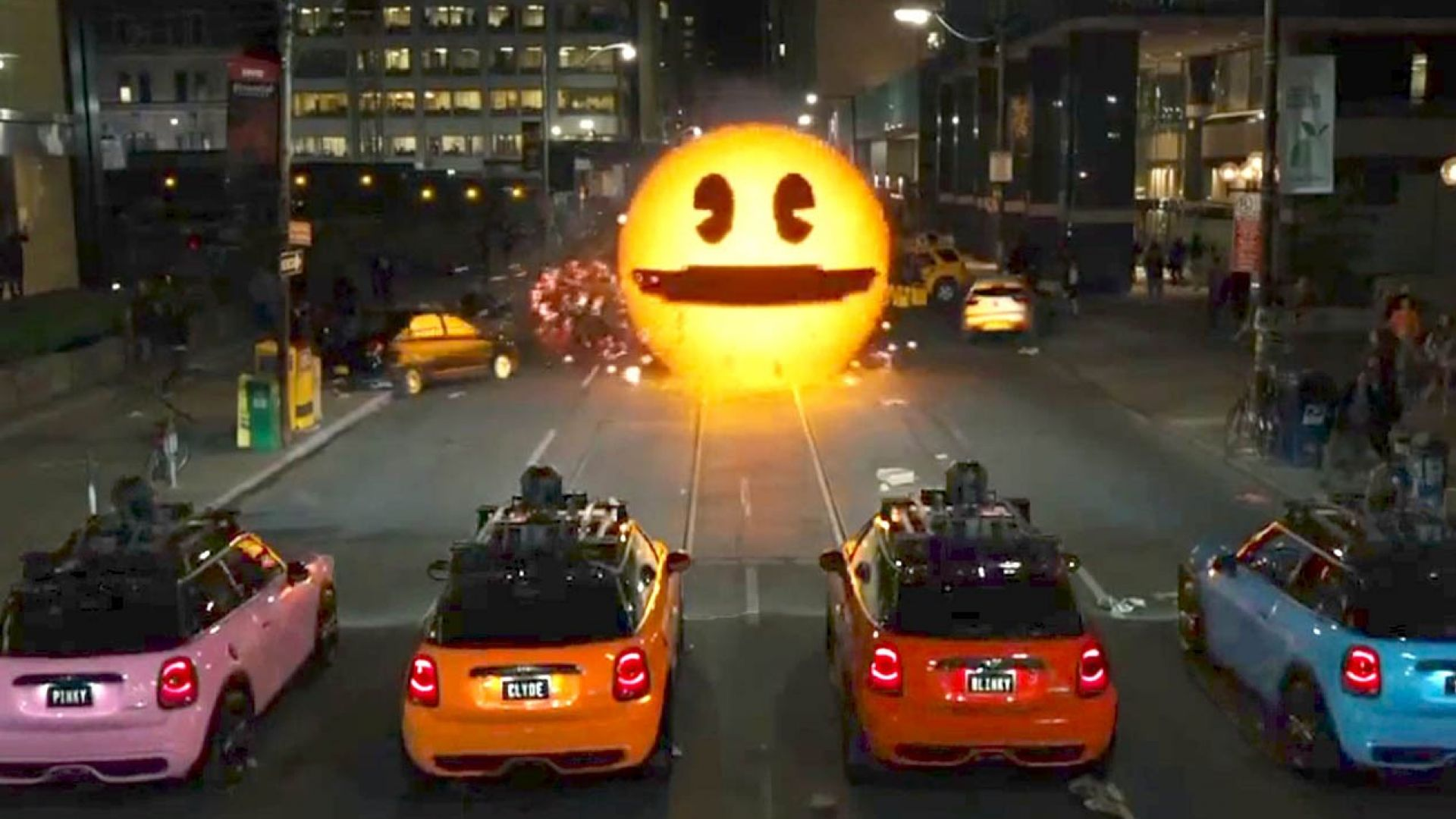Pac-Man is a Bad Guy in Clip from 'Pixels'