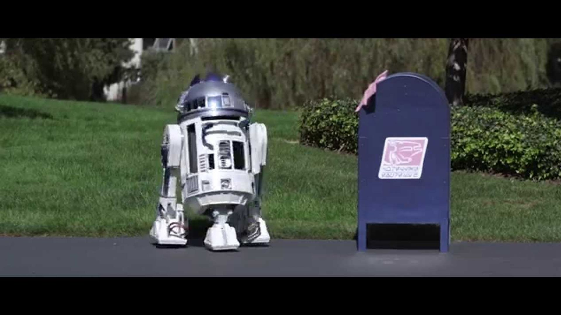 Watch R2-D2 fall in love in this charming little short