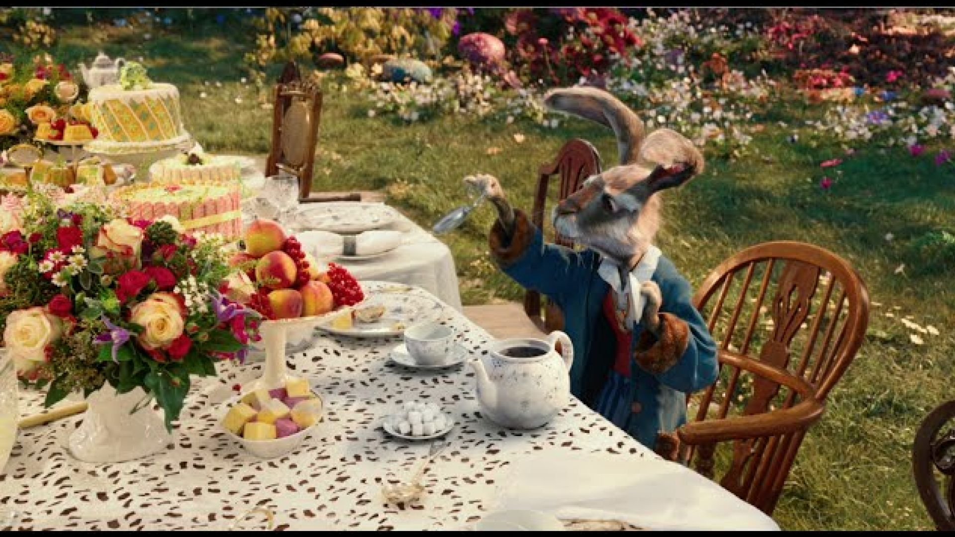 New 'Alice Through The Looking Glass' Trailer In Theaters Ma
