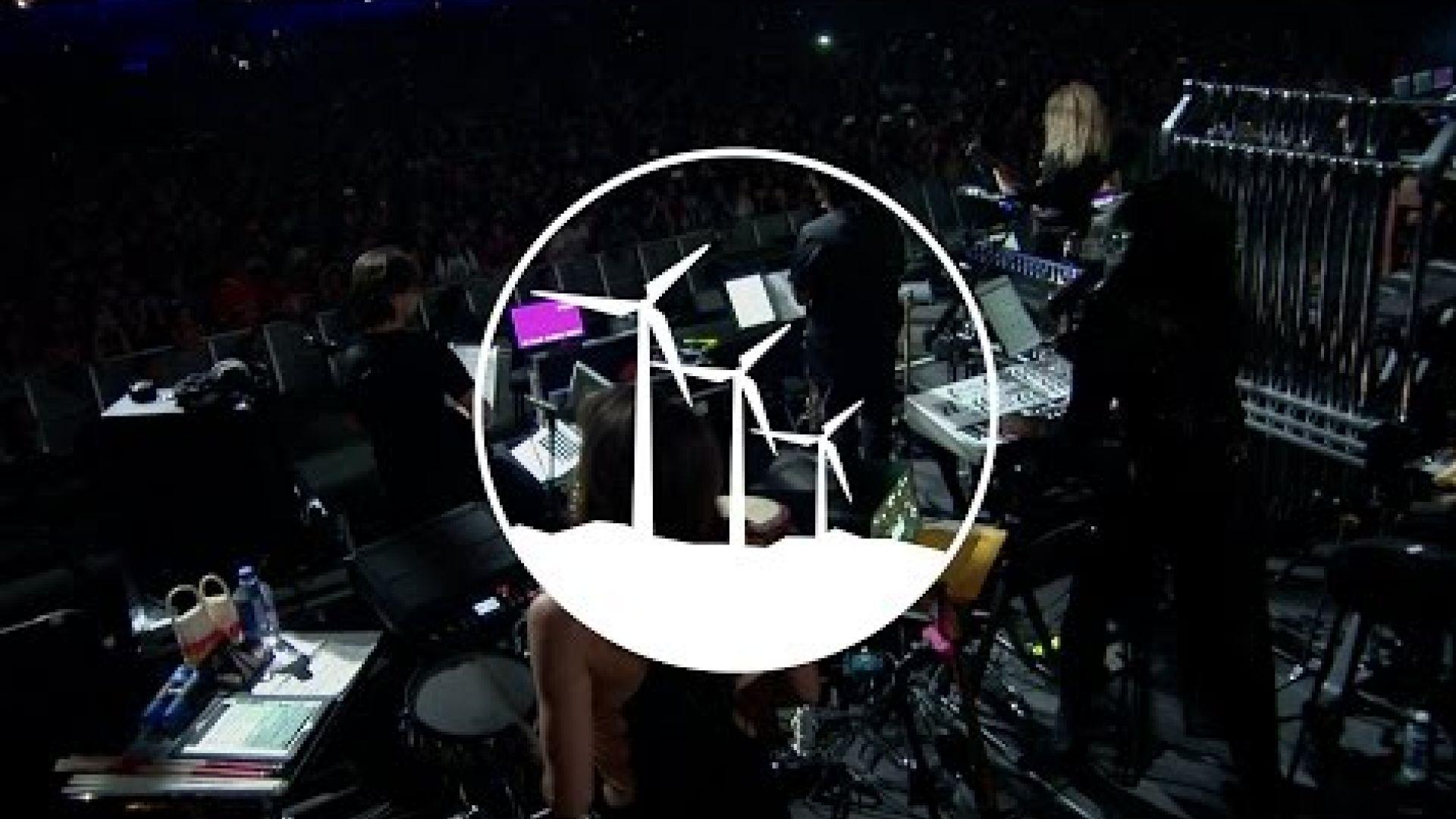 Hans Zimmer Performs 'The Dark Knight' Live At Coachella