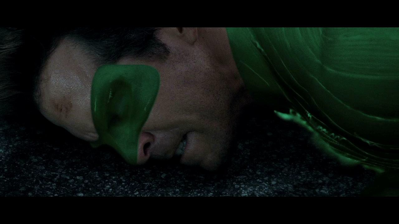 green lantern fights parallax and tries to protect the city HD